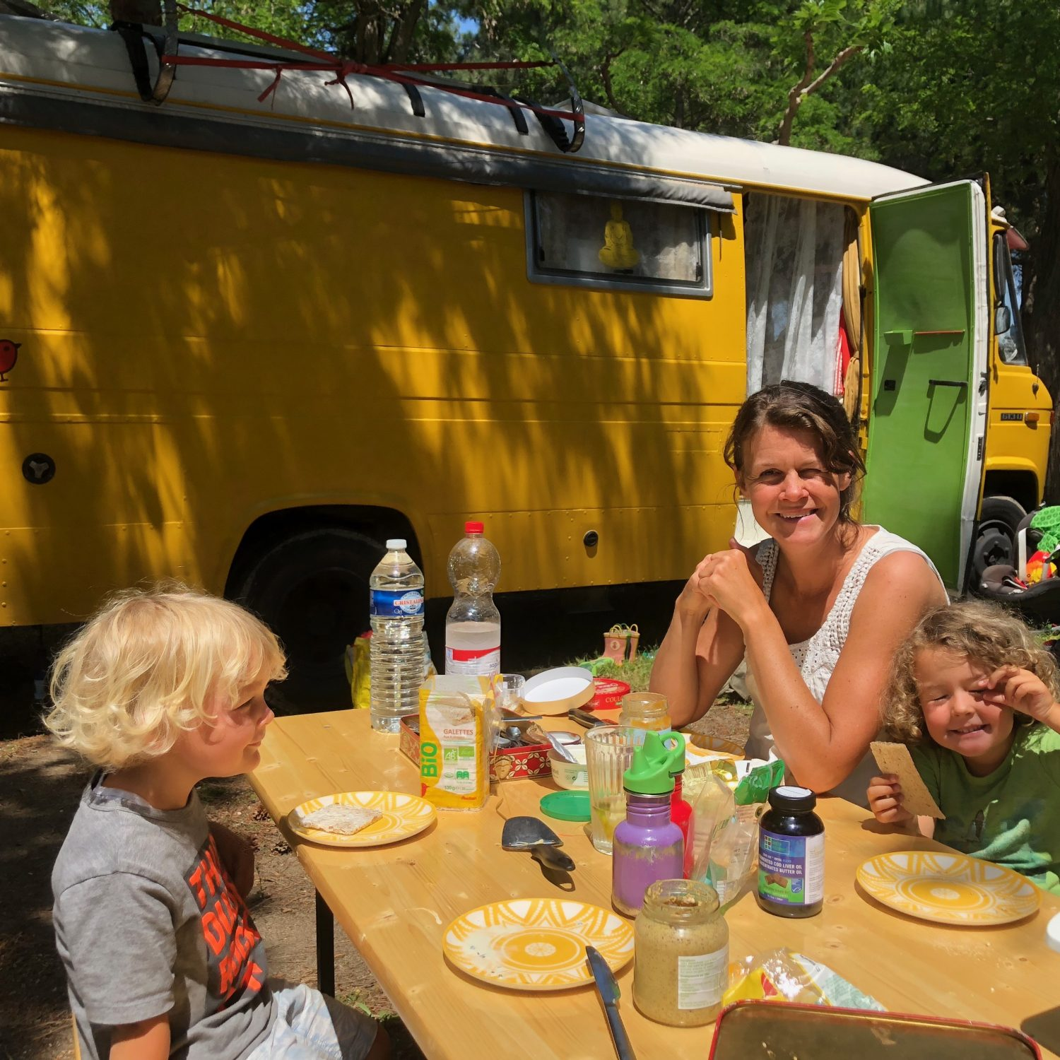 Expedition Family Happiness - Lunch at the campsite
