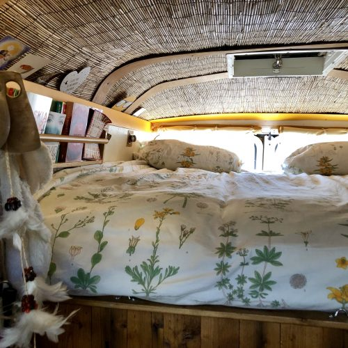 Expedition Family Happiness: Inside Jacky - The Master Bedroom