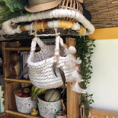 Expedition Family Happiness: Inside Jacky - Inge's much loved Onion and Garlic basket!