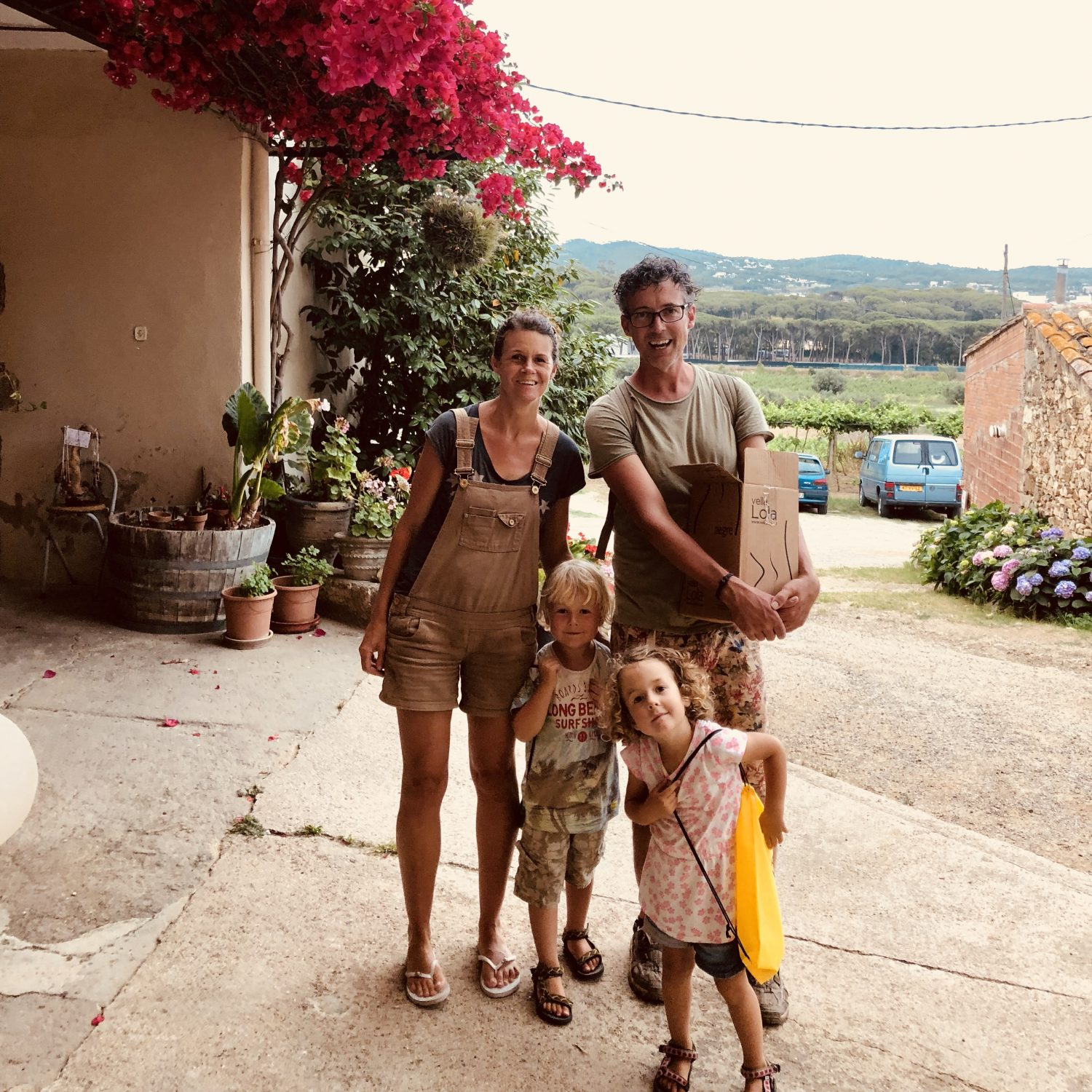 Expedition Family Happiness - Visiting a wine farmer (Open farm day)