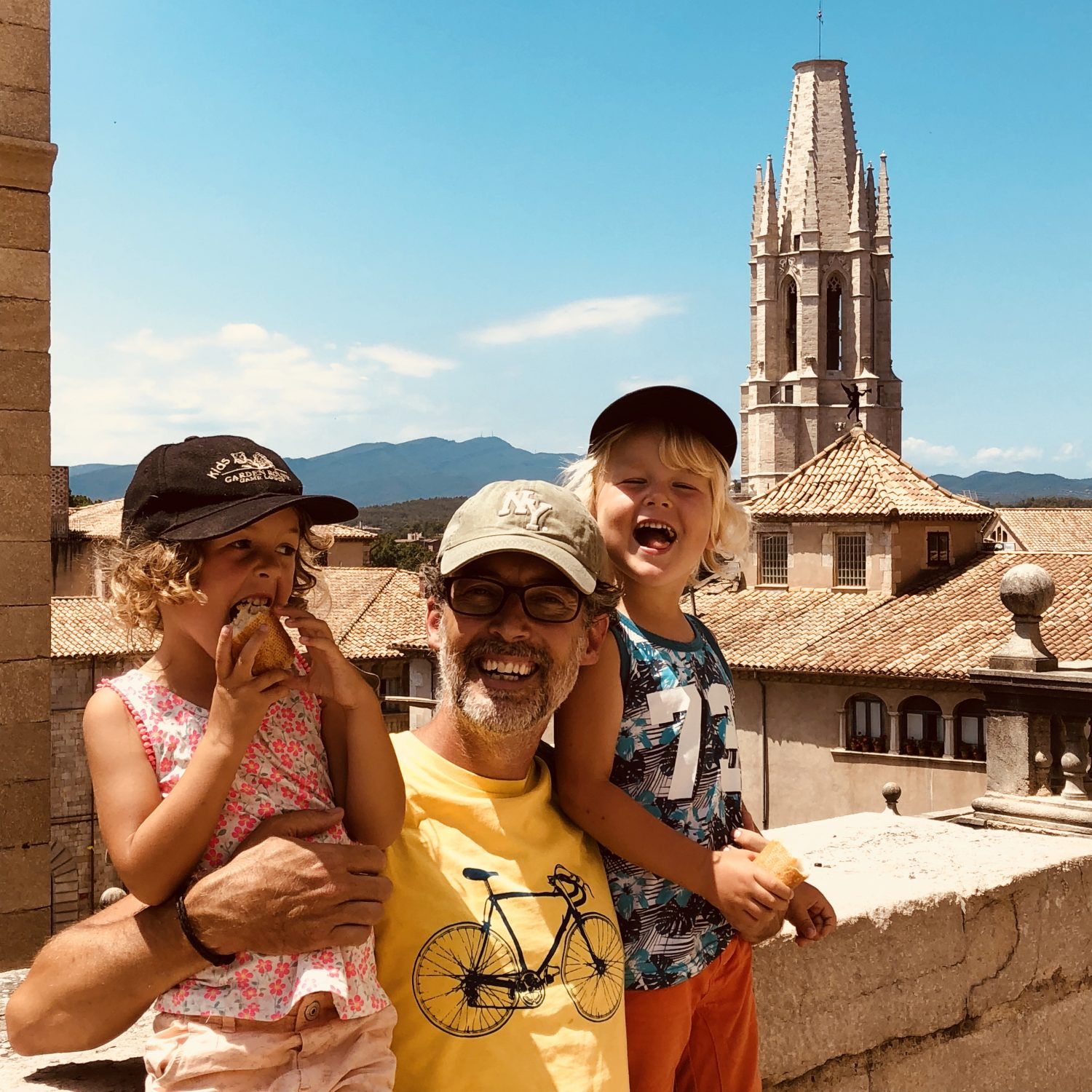 Expedition Family Happiness - Loving Girona!