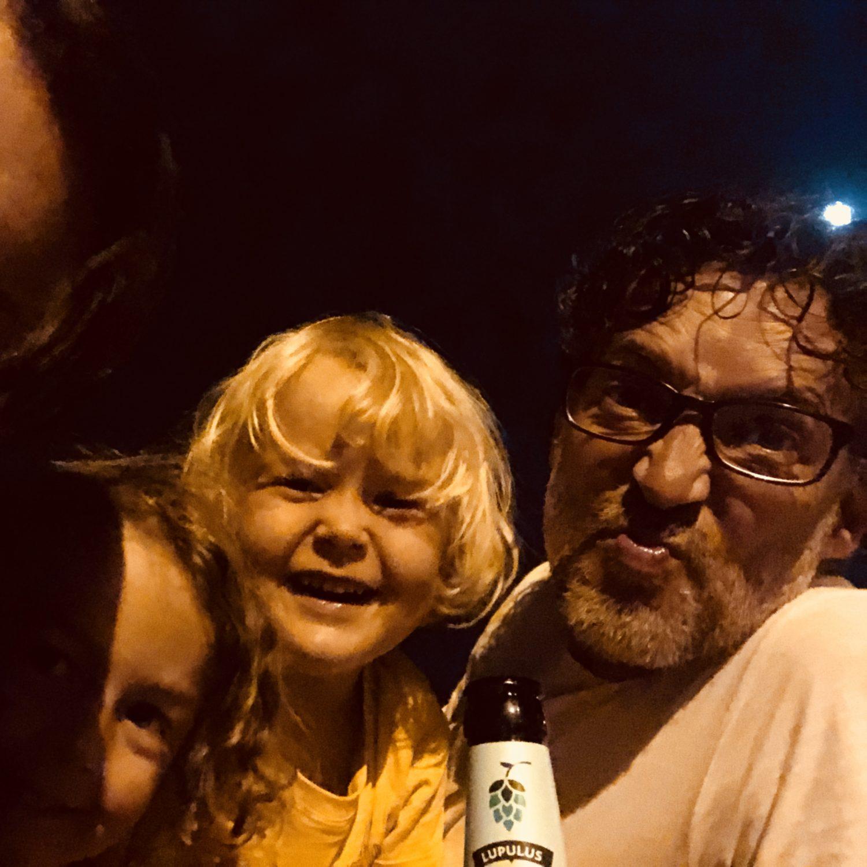 Expedition Family Happiness - San Juan, waiting fireworks at Platja D'Aro