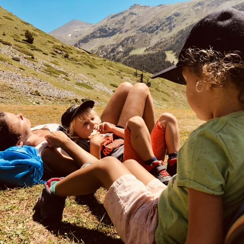 Expedition Family Happiness - 5 seconds siesta in Valle de Nuria!